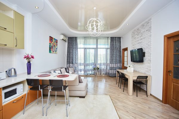 Three bedroom apartment with a balcony and view of the sea